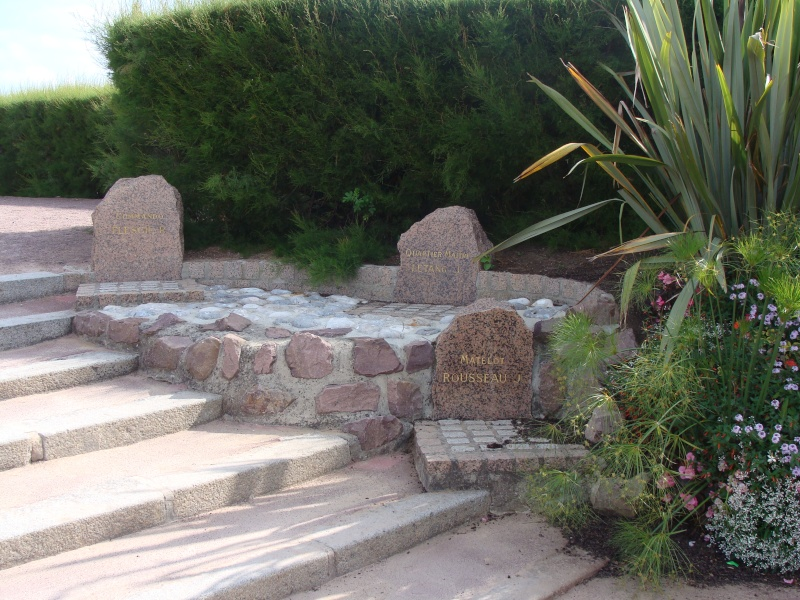 [Histoires et Histoire] Monuments aux morts originaux Français Tome 1 - Page 4 08510