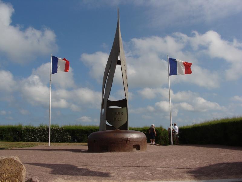 [Histoires et Histoire] Monuments aux morts originaux Français Tome 1 - Page 4 08710