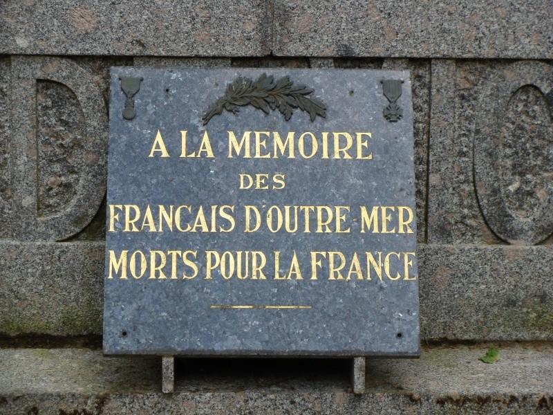 [Histoires et Histoire] Monuments aux morts originaux Français Tome 1 - Page 4 Dsc01313
