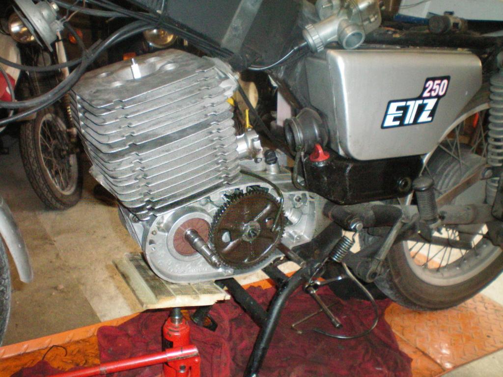Réfection moteur 250 ETZ - Page 2 100_0642