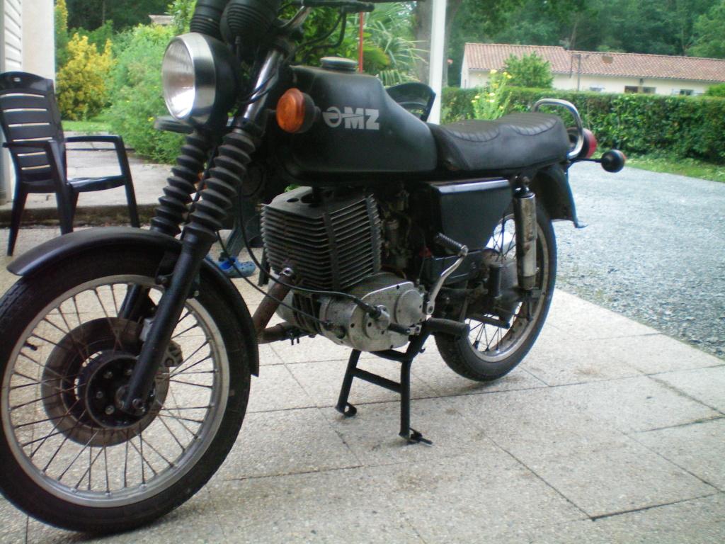 La MZ 250 ETZ sidecar de Murielle 100_0672