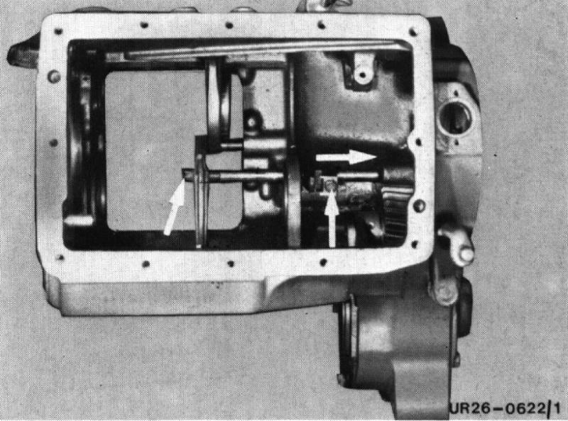 U421 ou U406 - Boite G - couvercle de sélection - patte trop courte Entrai10