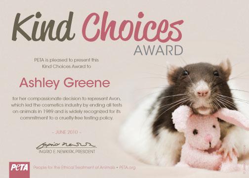 Ashley récompensée par la PETA [09/07/10] Cccert10
