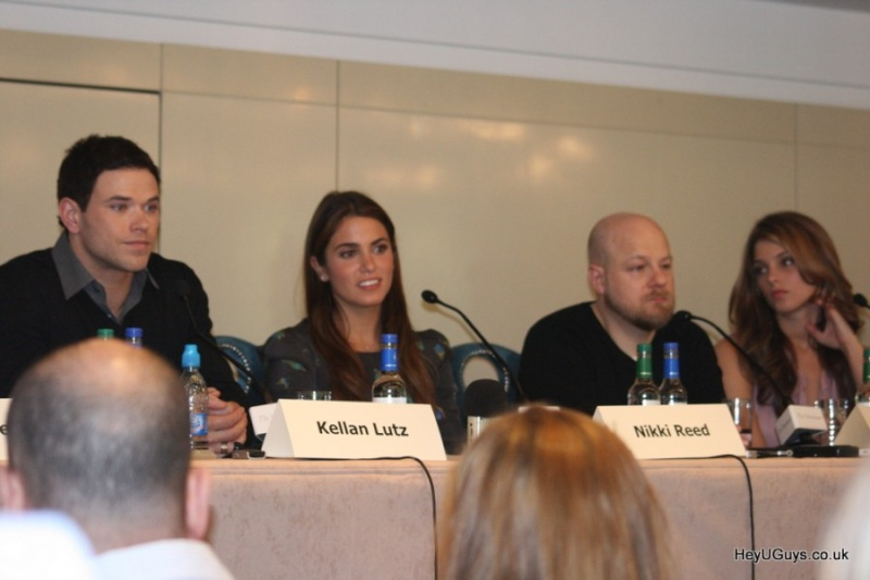 Londres : Conférence de Presse (30 Juin 2010) Cdp0810