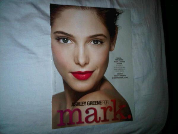 Première pub Mark dans Marie Claire US [Aout 2010] X2_23510