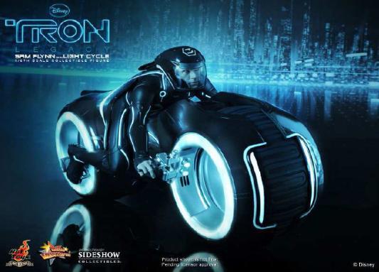 1/6 HOT TOYS-TRON LEGACY SAM FLYNN W LIGHT CYCLE 16_hot29