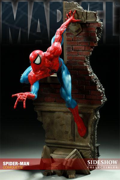 MARVEL COMIQUETTE  SPIDER-MAN STATUE Marvel11