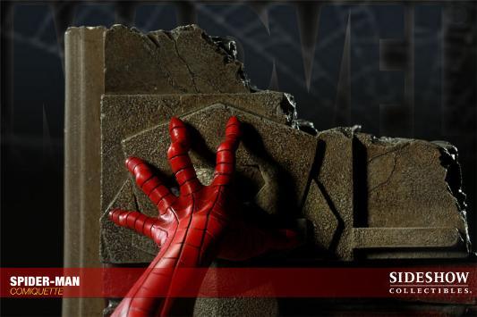 MARVEL COMIQUETTE  SPIDER-MAN STATUE Marvel17
