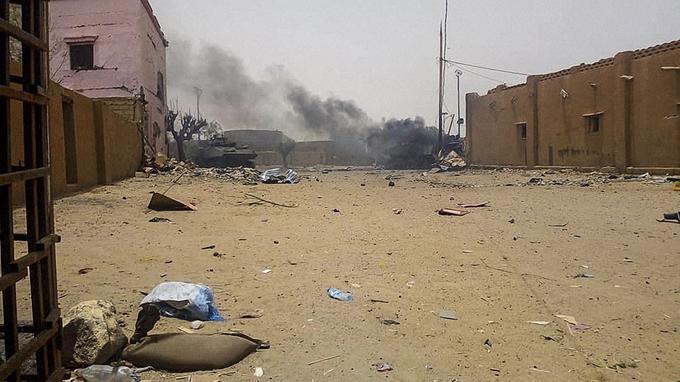 Mali : attaque terroriste contre des soldats français de l'opération Barkhane  ( info  du 1 juillet 2017) 20180710