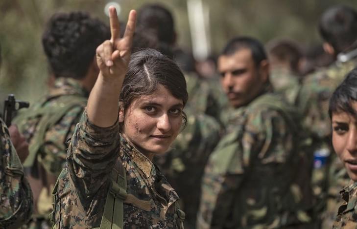 les miss guerrieres du mois d'octobre  2019 -les femmes courageuses soldat kurdes - Combat10