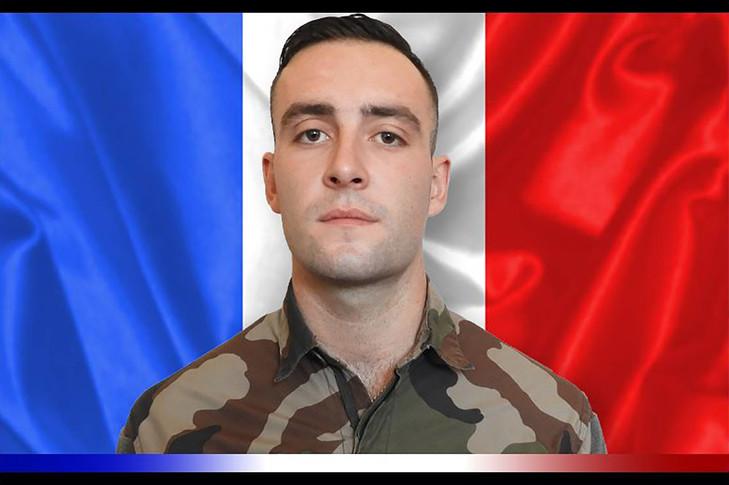 le 2 novembre , Le brigadier Ronan Pointeau, du 1er régiment de spahis de Valence, est mort après le déclenchement d'un engin explosif au passage de son véhicule blindé. Portra10