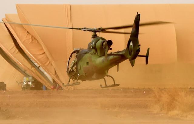 Côte d'Ivoire: Un soldat français tué, un autre blessé dans le crash d'un hélicoptère Sans-t10
