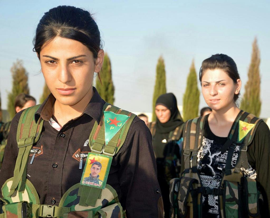 les miss guerrieres du mois d'octobre  2019 -les femmes courageuses soldat kurdes - Ypj10