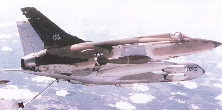 Heller (AMT) KC-135A 000-f-11