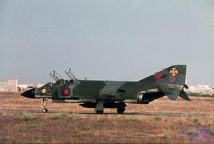 RAF based or visiting Malta post war F4_11110