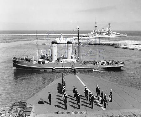 HMS WARSPITE 1942 - Page 4 Hms_re10