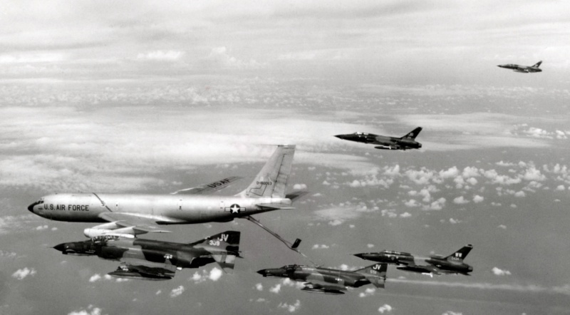 Heller (AMT) KC-135A Kc-13511