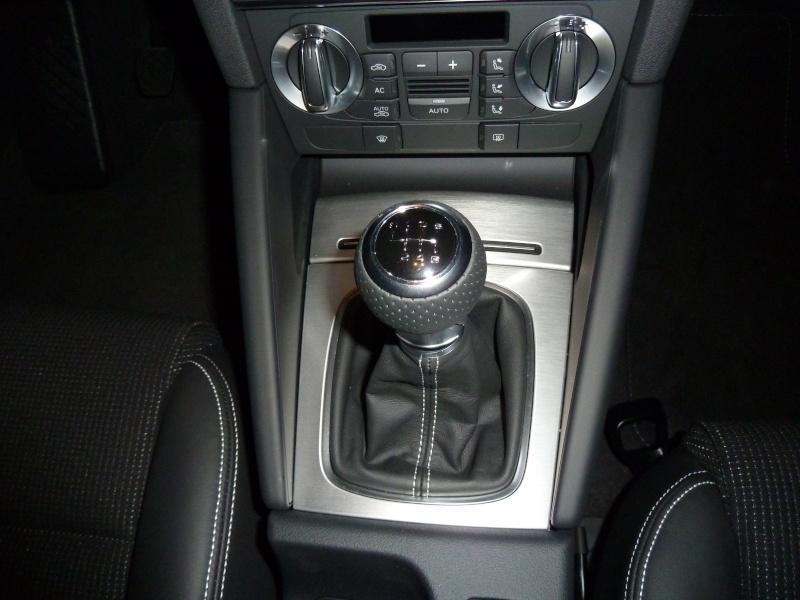 [Photo reportage] A3 2.0 TDI 140CV BTE 6 S LINE Facelift 2010 - Page 2 P1020211