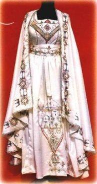 Tradition et beauté Algérienne Burnou10