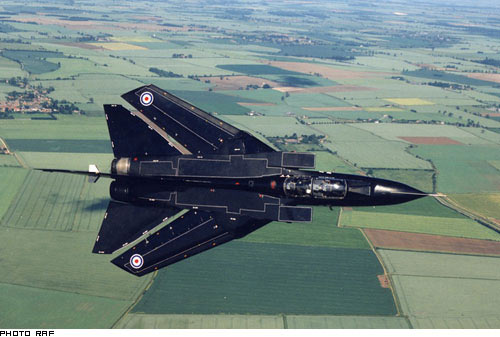 Avion de combat européen Tornad10