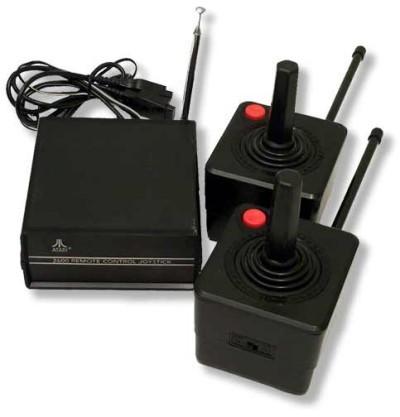 Consoles étranges , Machines méconnues ou jamais vues , du proto ou de l'info mais le tout en Photos - Page 4 Atari-10