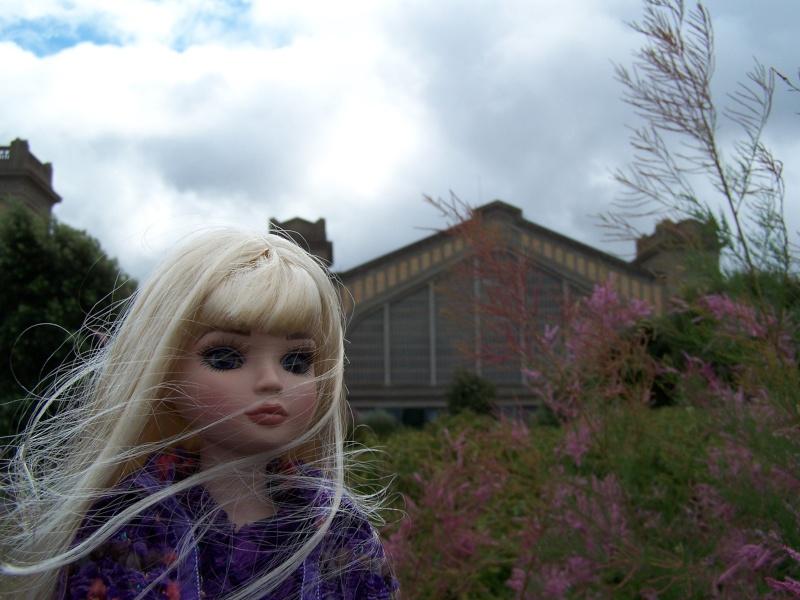 THEME PHOTOS SEPTEMBRE 2012 :  ELLOWYNE retrouve la ville, ses monuments, ses parcs, ses boutiques, 000_4313