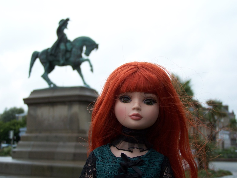 THEME PHOTOS SEPTEMBRE 2012 :  ELLOWYNE retrouve la ville, ses monuments, ses parcs, ses boutiques, - Page 2 000_4319