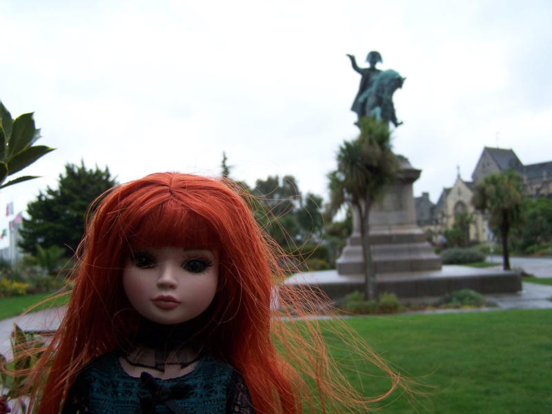 THEME PHOTOS SEPTEMBRE 2012 :  ELLOWYNE retrouve la ville, ses monuments, ses parcs, ses boutiques, - Page 2 000_4320