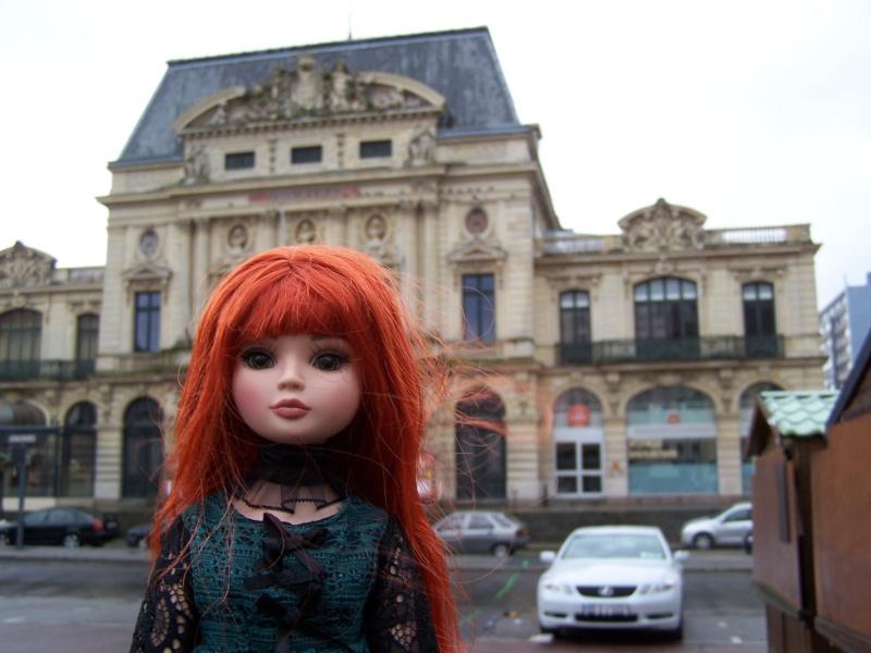 THEME PHOTOS SEPTEMBRE 2012 :  ELLOWYNE retrouve la ville, ses monuments, ses parcs, ses boutiques, - Page 2 000_4323