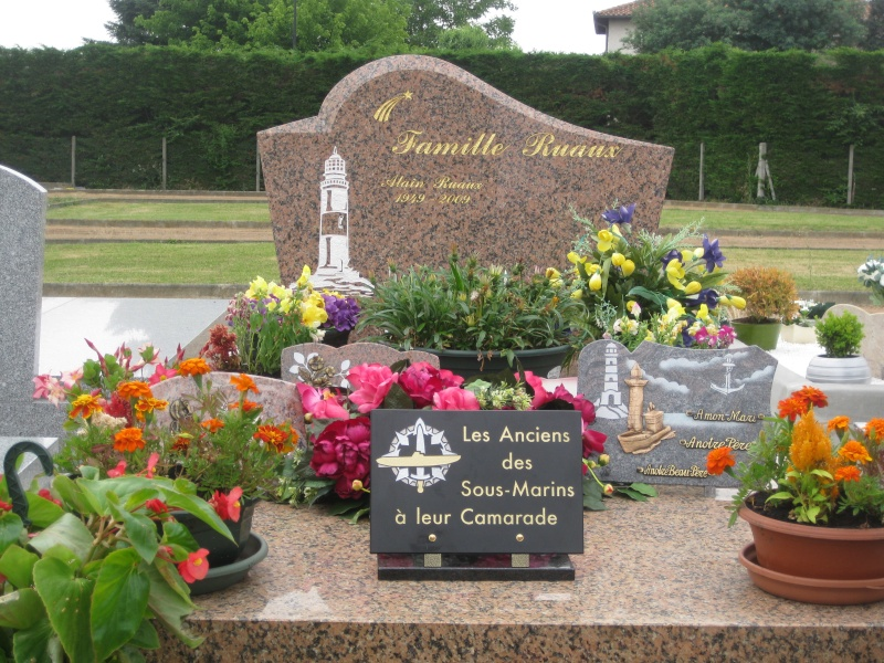 Dépose d'une plaque à la mémoire de notre camarade Alain RUAUX Img_2515
