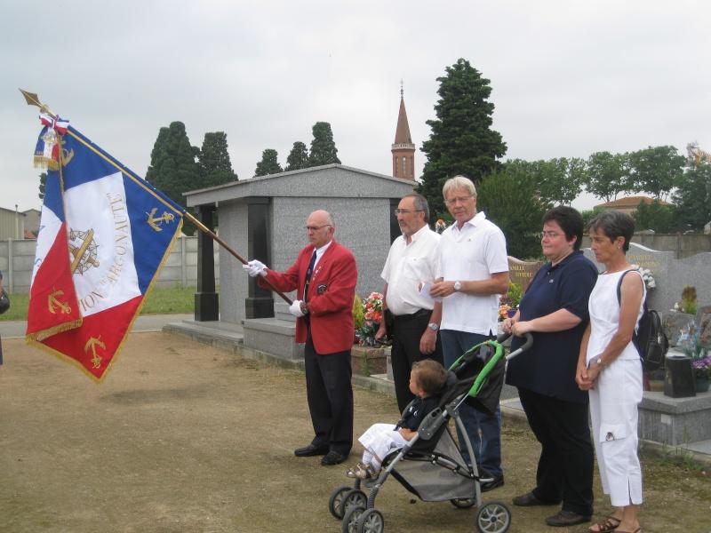 Dépose d'une plaque à la mémoire de notre camarade Alain RUAUX Img_2517