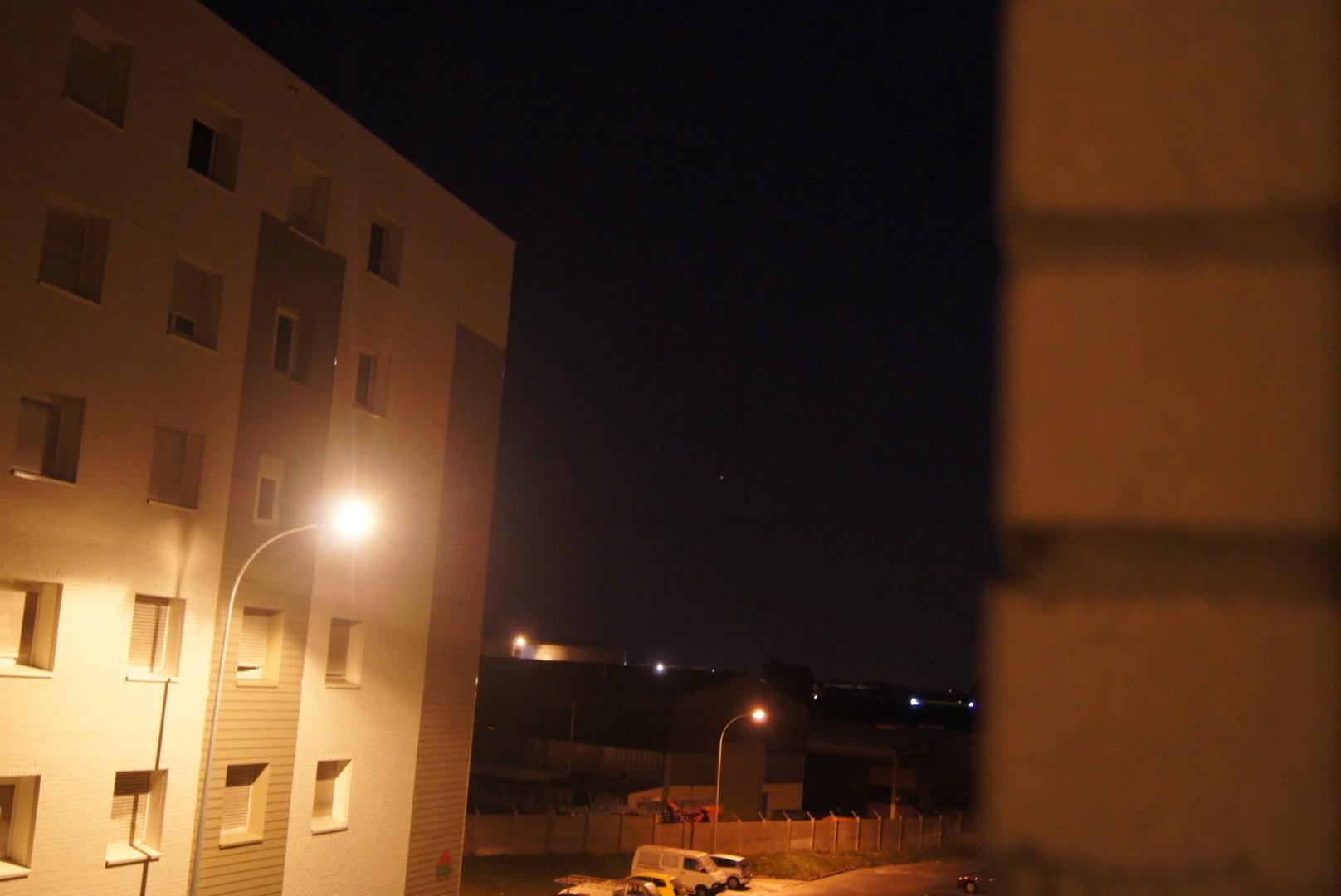 2012: le 01/09 à 21h40 - Lumière étrange dans le ciel  - dunkerque (59)  Dsc04913