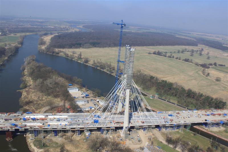 pont autoroutier en pologne Q10
