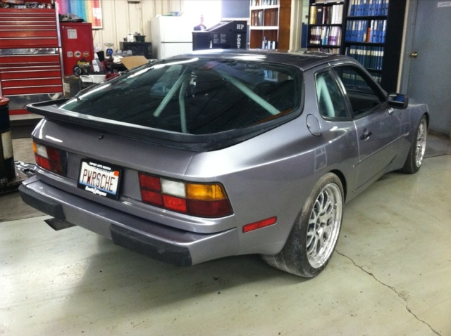 944 V8 representing at open road race in 2012 - Page 3 Newpai12