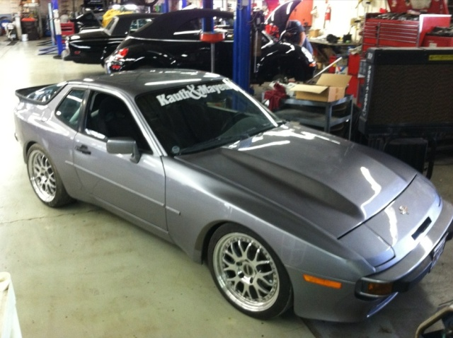 944 V8 representing at open road race in 2012 - Page 3 Newpai14