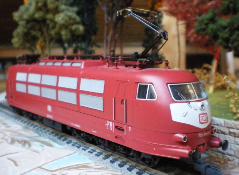 E 03/103 in Spur HO E03_410