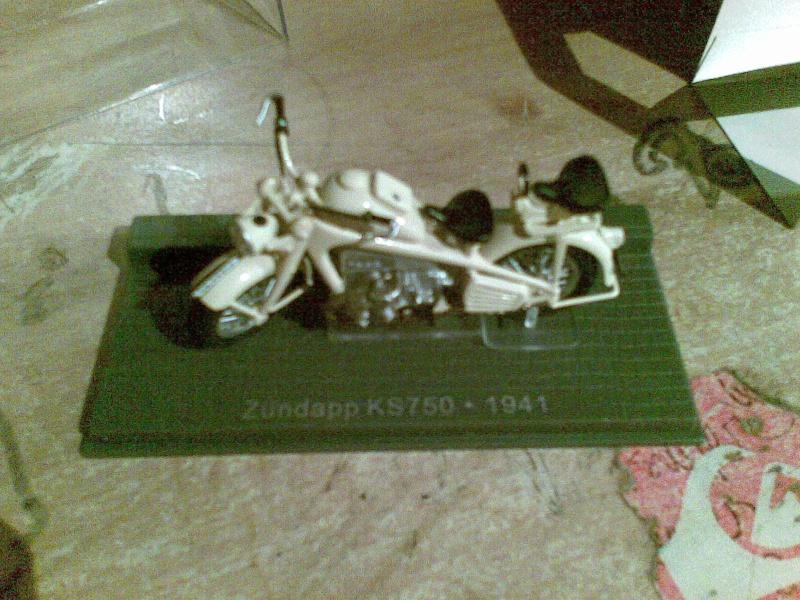 Zundapp KS750 1:24 13082011