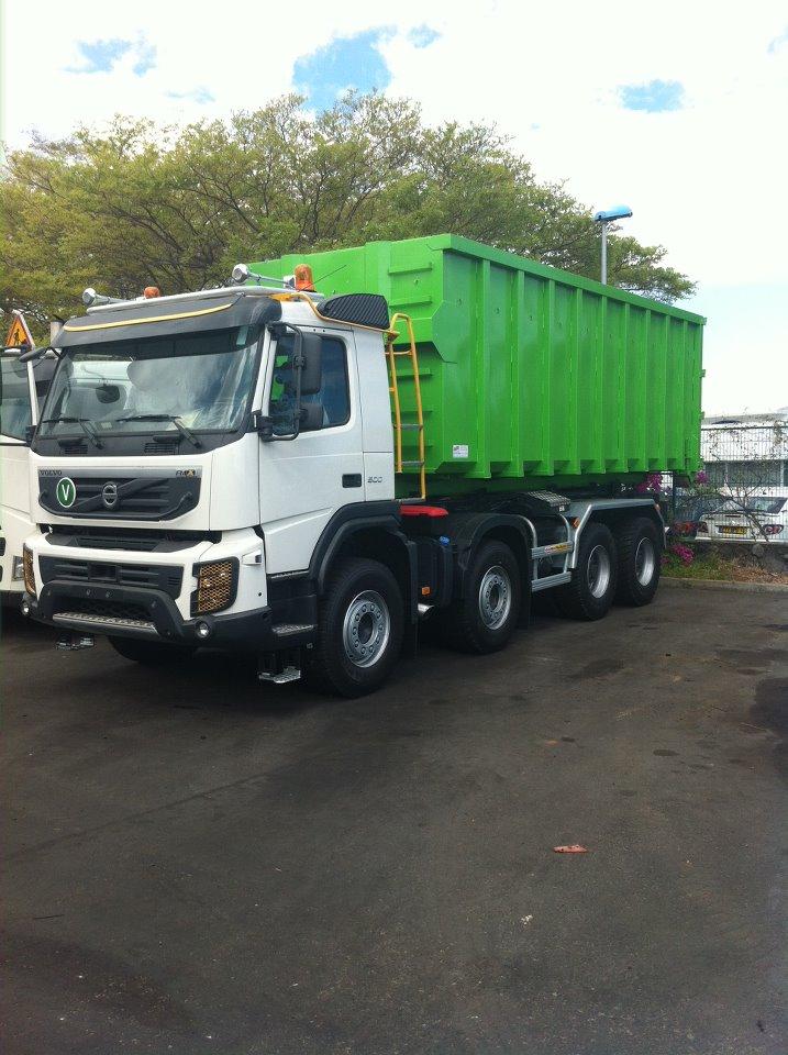 Les camions de l'Ile de la Reunion - Page 7 59869410