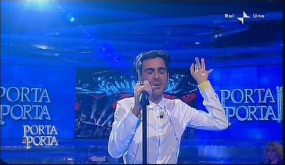 "[AZM] IL MENGONI E ... I ""TYRANNI SAECULARI DE TUBO CATODICO"" Canta10"
