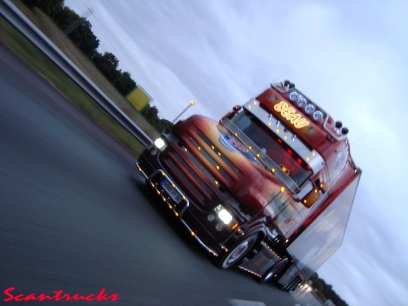 Camions décorés Dsc00410