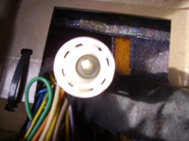 tableau de bord avec cable Img_0212