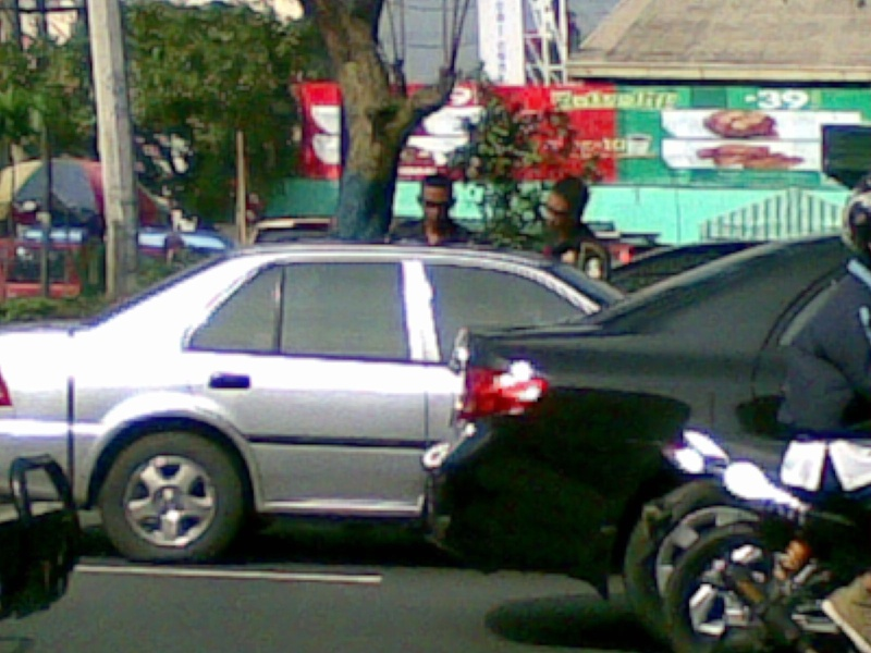 MMDA Officers abusing a citizen after making a road violation 07102015