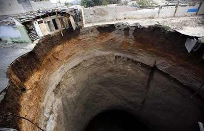 lubang gergasi  Giant_24
