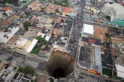 lubang gergasi  Giant_37