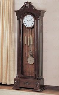 Mengapa Jam Menunjukkan Jam 10.10 ?  Grandf10