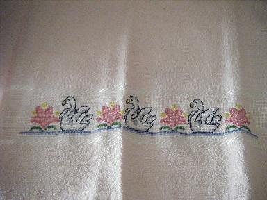 asciugamano grande e piccolo a punto croce Dscf3016