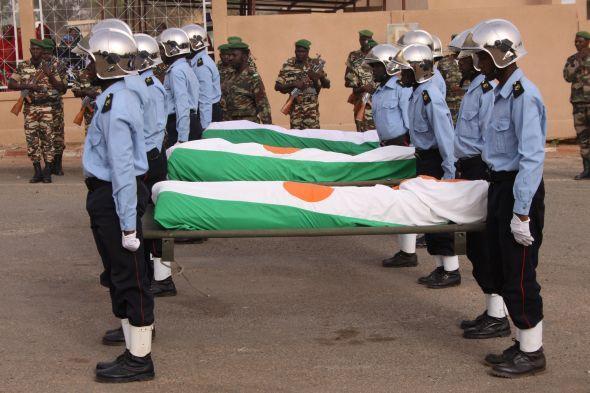Français tués au Niger: des zones d'ombre subsistent Articl11