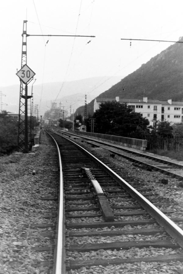 Pk 082,2 : Gare de Foix (09) - Page 6 W-foix10