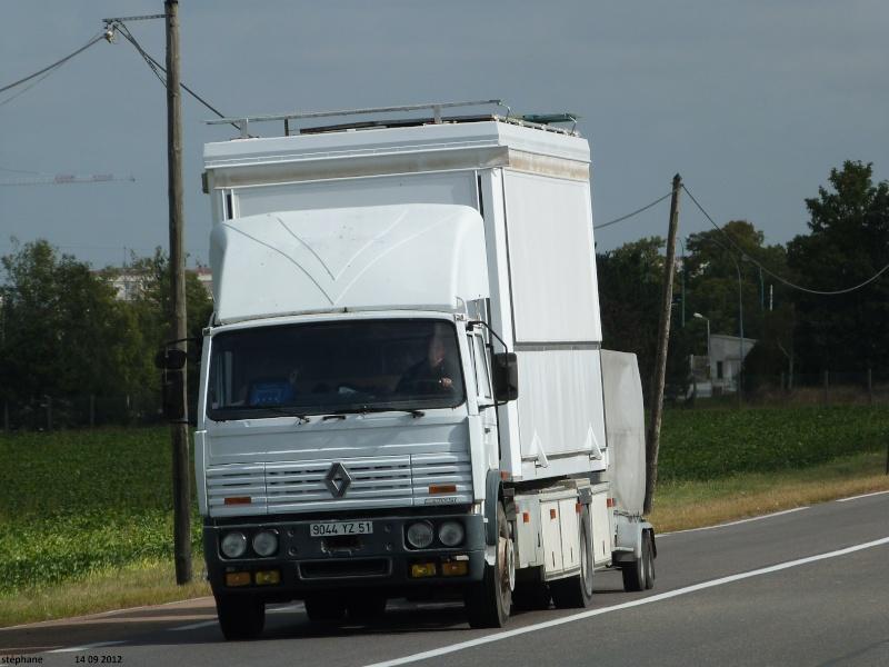 Les Camions des forains - Page 3 Le_14_47