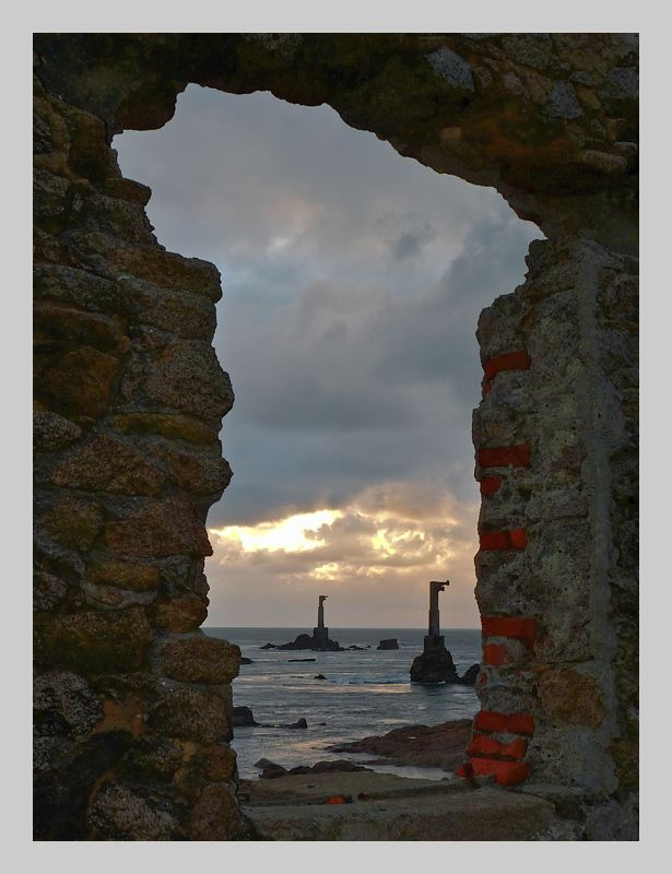 Ouessant : le phare de Nividic + ajout 18 janv. P1070511